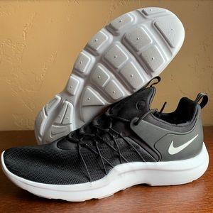Nike Darwin Running Shoe Mens Size 11
